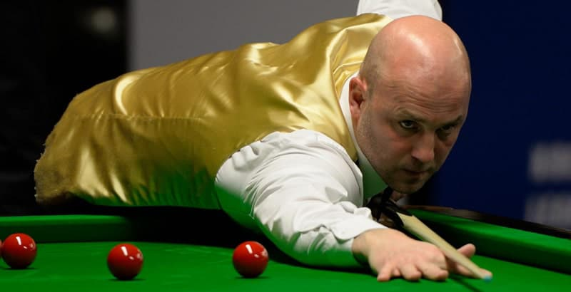 Mark King taking and important shot in snooker