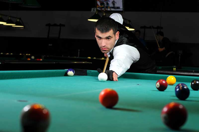 Pro snooker player